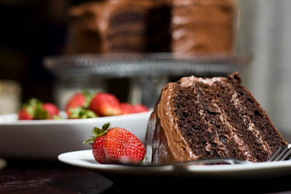 Çilekli Çikolatalı Yaş Pasta