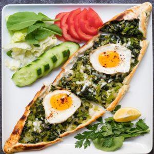 Ispanaklı Yumurtalı Pide
